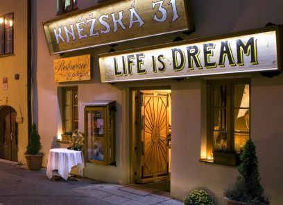 Life is Dream Restaurant